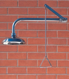 Celková bezpečnostná sprcha celotelová CA1110TI nerezová na tehlovom podklade