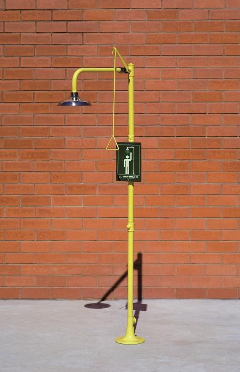 Bezpečnostná sprcha celotelová CA1120SS na tehlovom podklade