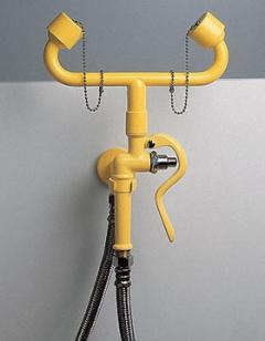 žltá nástenná laboratórna očná havarijná sprcha kombinovaná s ručnou sprchou CA3110 bez výlevky