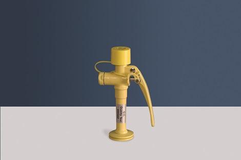 žltá stolová laboratórna očná sprcha CA3120 bez výlevky - havarijná sprcha pre 1 oko