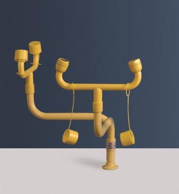 žltá stolová laboratórna očná sprcha CA3620 bez výlevky, ovládanie otočením sprchy - havarijná sprcha